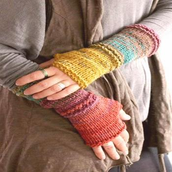 Fingerless gloves - use up yarn with these - note the lovely little touches made by the knit rows..