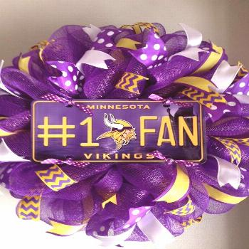 Minnesota Vikings Wreath, Football Wreath, Sports Wreath, Purple Gold Wreath, Welcome Wreath, Front