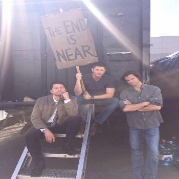 Misha Collins—Get The Adventurous Eaters Club Now! on Twitter Misha on twitter : Shooting out las