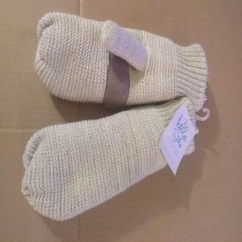 Women's Soft Knit Mittens Hello Soho One Size Fits Most NWT!