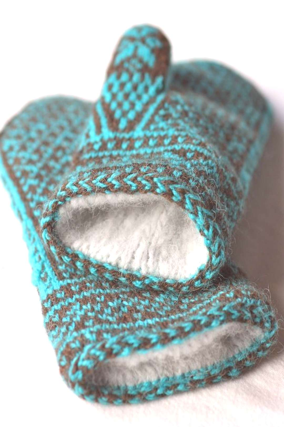 Northman Mittens,Doubled mitten. Knit 2 mittens of different colors, stitch together at openi... No